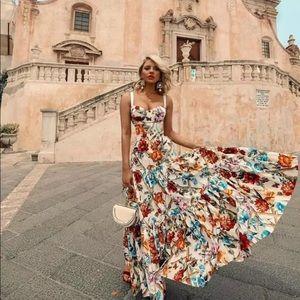 ✨Scarlett✨ floral maxi dress